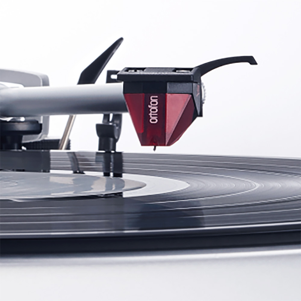 Ortofon 2M Red Cartridge on Technics SL-1500C | Unilet Sound & Vision